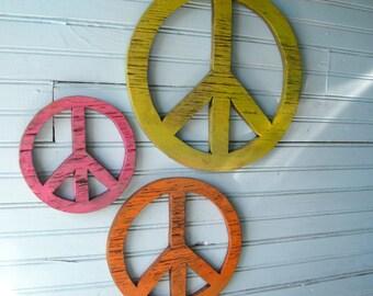 Peace Sign Set 60's Decor Boho Decor Peace Symbol Wooden Peace Signs Rustic Decor Teen Room Decor Home Decor Bohemian Decor Set of Three