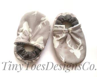 deer baby booties, buck head booties, baby boy booties, cloth baby shoes, baby crib shoes, deer booties,  deer moccs, grey baby boy shoes,