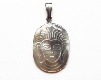 Mother of Pearl engraving pendant 30 mm #2 Buddha head