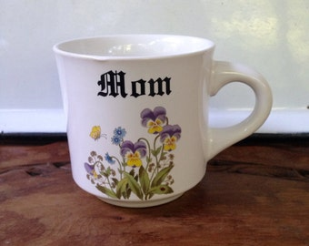 Vintage Mug MOM Hydrangea Purple OR Pansy Coffee Cup Papel 70s 1970s Mother's Day