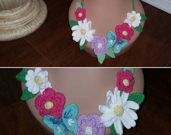 Crocheted Flower Necklace