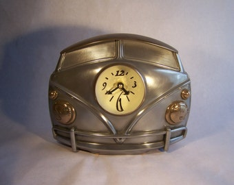 Retromotive Kombi Clock