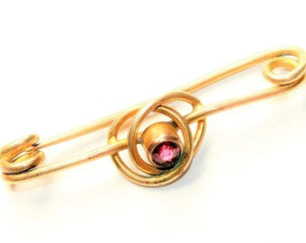 Antique Victorian Gold Coloured Swirl Sparkly Red Rhinestone Diamante Vintage Bar Brooch (c1900s)