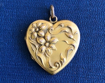 Large Floral Victorian Heart Photo Locket