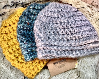 Ready to Ship/ Messy bun beanie/ Messy bun hat/ Crochet beanie/ Ponytail hat/ Gift for her/ Gifts for women/ Christmas Gift/ Birthday Gift