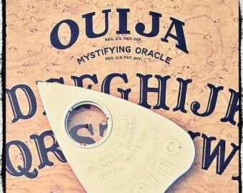 Fuld Parker 1960's Vintage Ouija Board