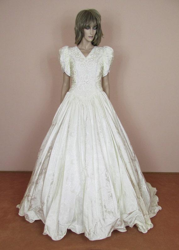 Romantisches Hochzeitskleid 80er Jahre Ballkleid