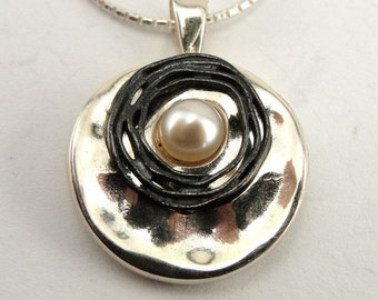 ISRAEL Women Hand Crafted 925 Sterling Silver White Pearl Pendant (s 2482)