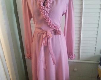 Vintage pink dress, vintage dress, pink dress, flirty vintage dress, flirty pink dress. A15