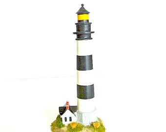 Vintage replica NC Lighthouse, Bodie Island, Outer Banks, North Carolina, 1993 collectible souvenir
