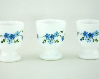 3 vintage Veronica Arcopal egg cups