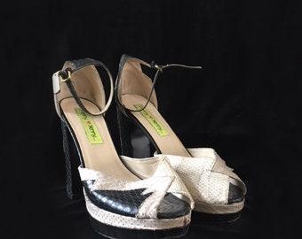 Vintage 1990s does 1970s black and cream snakeskin glam platform shoe
