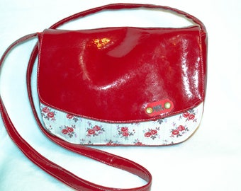 "model ""elegance"" shiny red Messenger bag"