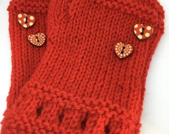 Red fingerless gloves with red hearts for kids