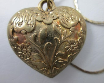 Vintage Gold Tone Floral Repousse Scrollwork Puffy Heart Chain Pendant Necklace