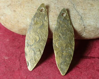 Hand hammered antique brass marquise dangle drop size 28x8mm, 2 pcs (item ID XW00421ABC)