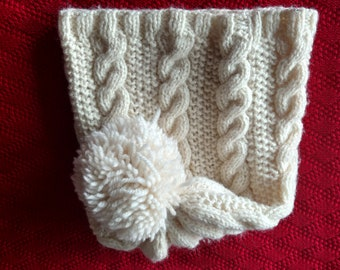Hand knitted slouchy beanie with cabels