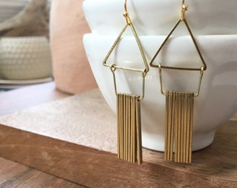 Flutter Earrings / Geometric Earrings / Triangle Earrings / Gold Triangle / Playful Earrings / Modern Jewelry / Bohemia / Gifts for Her