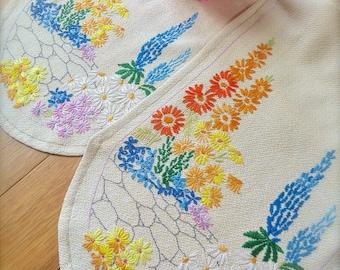 "Hand Embroidered Vintage ""Cottage Garden"" Table Runner"
