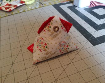 Christmas Chick Pin Coushins/Fabric Weight