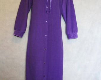 Vtg Quiet Moments Purple Full Length Button-Up Robe Size M Fall Winter