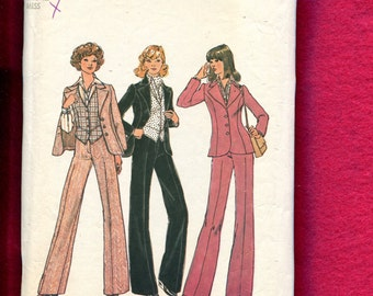 1970's Simplicity 7214 Princess Seam Blazer with Pointed Lapel Fitted Vest & Pants Size 12