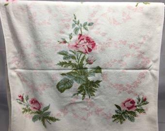 Vintage floral bath towel, pink roses, towel with flowers, vintage bathroom towel, retro, floral, Martem Terri-Down