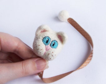 Cat bookmark Wool animal Cute white cat kitten Fun reading Original accessory Bookworm geek teacher school Book Gift for him and her