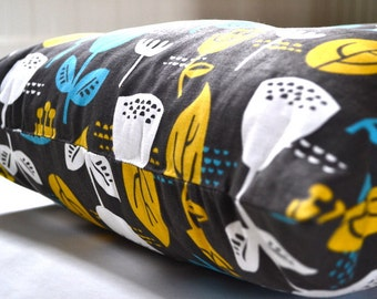 """Tufted Floor Pillow in Jessica Jones Fabric """"Outside Oslo Wildflower"""" Home Decor"""