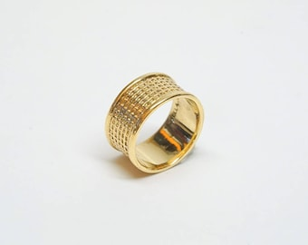 18k Gold Ring, Wide Wedding Band Ring For Women, Wide Gold Ring 18k, Unique Wedding Ring, Net Texture Ring for Women, Jewelry