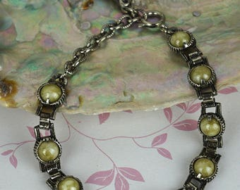 Silver Plated Round Linked Green Agate Set Stone Bracelet has Dark Patina