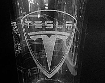 Tesla Roadster with Tesla Logo - Laser Etched Pint Glass