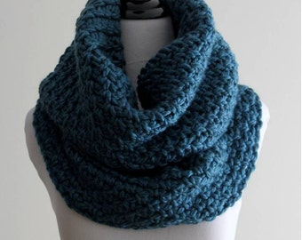 Chunky knit cowl, Over-sized cowl, Hand-knit cowl, Knit tube scarf, Chunky infinity scarf, knit snood, chunky tube scarf,   COZY CABIN COWL