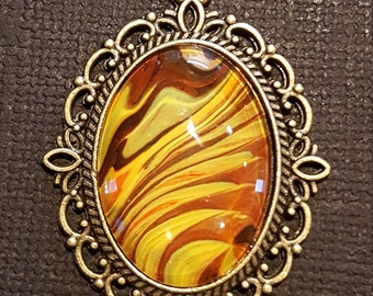 yellow and brown swirl pendant