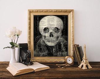 Makaber Totenkopf-optische Täuschung-Druck, Halloween-Wand-Kunst-Home Dekor, Sherlock Pierrot antike Dictionary Art, Skull Poster, Goth Wohnheim Dekor