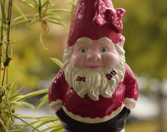 Big Pink Gnome, solid garden gnome, Gartenzwerg, 10,5 inches, 27cm, outdoor figure