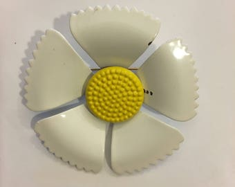 Vintage white and yellow enamel flower pin