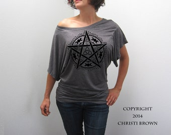 Pentagram Pentacle T Shirt Women's Slouchy Short Sleeve Top Wiccan clothing size medium ON SALE