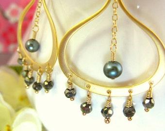 Green Pearl Pyrite Gold Chandelier Earrings - Green Pearl Pyrite Chandelier Earrings - Gold and Green Coachella Boho Chic Gold Earrings