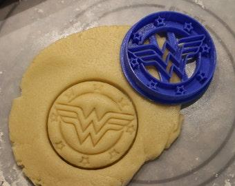 Cookie Cutters: Wonder Woman Cookie Cutter,Superhero Cookie Cutter,Batman,Robin,Boy Wonder,Party Supply, Birthday,Children Party,Child Party