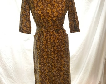 Vintage 1960's dress / Thick cotton Long Sleeved Vintage dress / collared dress / 60s dress