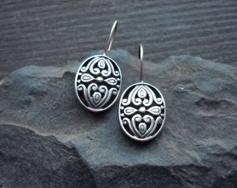Sterling silver flower pattern earrings