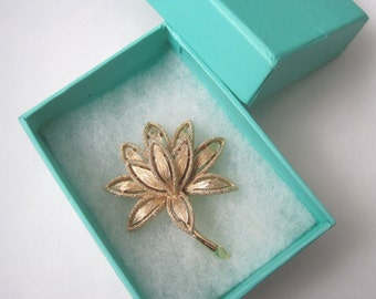 Water Lily Vintage Brooch or Pin with gift box. Avon.