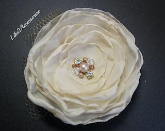 Ivory Wedding Flower Hair Clip Bridal Hair Accessories Wedding Hair Accessories Wedding Hair Fascinator Wedding Headpiece Bridal Hair Flower