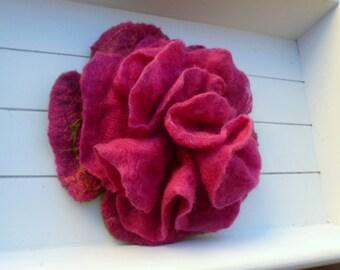 Felt Brooch pink