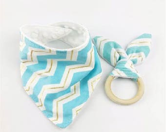 Bandana baby bib | Toddler Scarf Bib |  Bunny Ears Teething Toy | Infant Gift | Baby Shower Gift | Soft baby bib | Teething | Baby bib