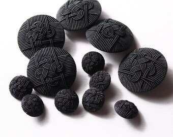 8 buttons 19mm or 38mm, black polyester to stem (8154)