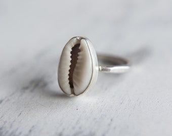 Small Shell Ring, Cowrie Shell Ring, Sterling Silver Ring, Boho Ring, Sea Inspired, 925 Silver, UK M, US 6