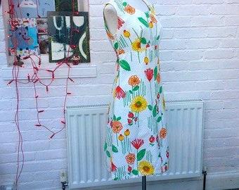 """1960s Vintage Bright Floral A line Empire Line Cotton Dress sz 38"""" bust"""