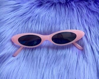 90s/y2k slim pink cat eye sunglasses